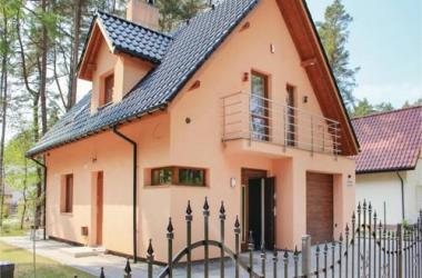 Three-Bedroom Holiday Home in Kamien Pomorski